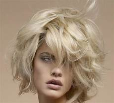 Bob Frisuren Blond Halblang