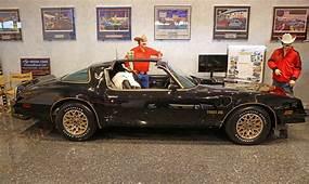 1977 Pontiac Firebird Trans Am Smokey And The Bandit Promo