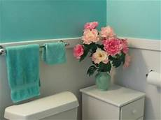 the color turquoise aqua blue walls in my bathroom