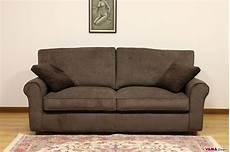 divani in divano classico in tessuto sfoderabile anche su misura