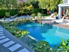 naturelle pour piscine un entretien plus contraignant pour un bassin naturel