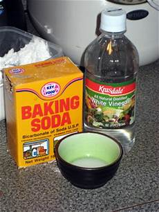 Bathroom Cleaner With Baking Soda And Vinegar by Diy Come Get With Me Cheap Diy Bathroom Cleaners