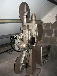 projecteur cinema ancien 81719 ancienne salle et ancien projecteur cin 233 ma le royal de rothau