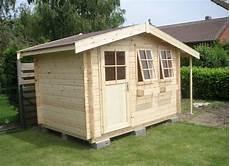 cabanon de jardin quelle fondation pour cabane de jardin cabanes abri jardin