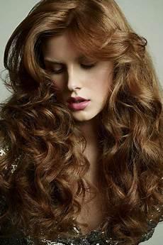 lange lockige haare frisuren