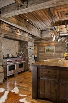 modele de cuisine rustique la cuisine en bois massif en beaucoup de photos deco