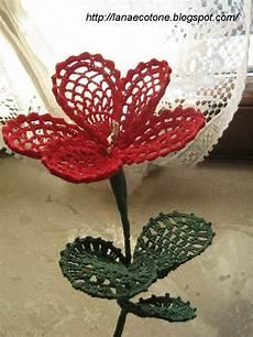 fiore con a bellissimo fiore all uncinetto con schema il