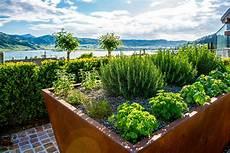 Garten Mit Hochbeeten Gestalten - das garten hochbeet als design objekt arnold