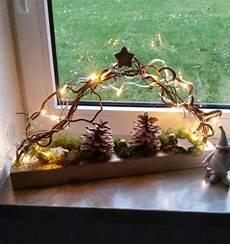 Weihnachtsdeko Aus Naturmaterialien Selber Basteln - beleuchdete fensterdeko auf holz mit led beleuchtung und