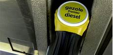 Prix Des Carburants Le Gazole De Nouveau Bien Moins Cher