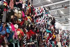 Alte Kleidung Verkaufen - report wie h m aus altkleidern neue mode macht femtastics