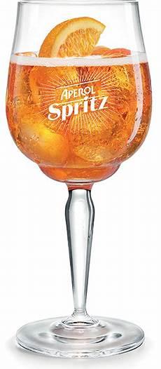 bicchieri aperol spritz cari aperitivi aperol spritz presenta il signature