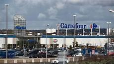 carrefour centre auto carte carrefour les 273 magasins menac 233 s de fermeture