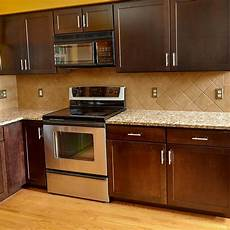 how to reface the kitchen cabinets dhlviews