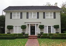 Haus American Style - american classical style architecture in east sacramento