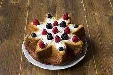 mousse al mascarpone fatto in casa da benedetta stella di pandoro con mousse al mascarpone ricetta idee alimentari ricette ricette di