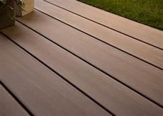 Lame De Terrasse En Bois Composite Brun Exotique Profil
