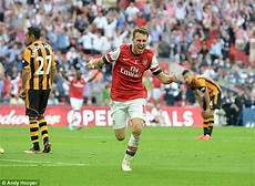 aaron ramsey scores candidate for goal of the season as arsenal crush flimsy fulham at craven arsenal hull team news kick off time probable line ups odds and stats for premier league