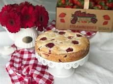 ingles strawberry cake english strawberry tea cake sweet carolina