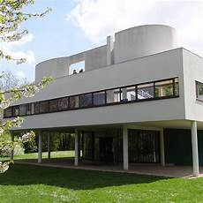 Le Corbusier S Villa Savoye Encapsulates The Modernist