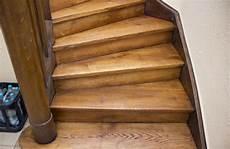 sch 246 ne alte treppen neu gestalten alte holztreppe farbig