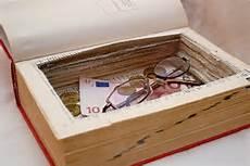 Kuriose Verstecke Wo Das Geld Zu Hause Sicher Ist
