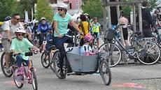 des cyclistes invitent les 233 lus 224 tester le v 233 lo en ville