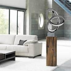 wohnzimmer kreativ skulpturen wohnzimmer mit figuren in
