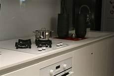 come pulire il piano cottura in vetro come pulire il piano cottura in acciaio inox vetro o a