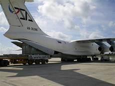 transport voiture par avion cerl transport par avion charter deux containers