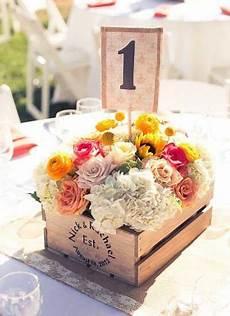 deco chetre anniversaire centre de table cagette bois fleurs en 2019 decoration table mariage centre de table mariage