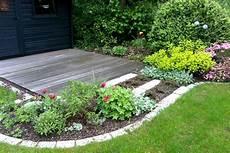 Gartenbeete Mit Flie 223 Enden Formen Garten Und