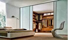 Kamar Tidur Dengan Lemari Kayu Koleksi Desain Rumah