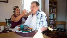 betreuung dementer zahl dementer menschen steigt