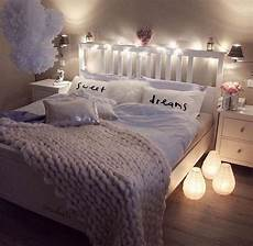 Easy Apartment Bedroom Ideas by 22 Ways To Make Your Bedroom Cozy And Warm Apartment