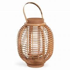 lanterne en bois lanterne en bois h 30 cm mengwi maisons du monde