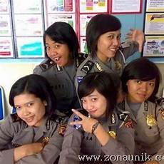 Inilah Wajah Polwan Indonesia Foto Foto Gokil Dan Lucu
