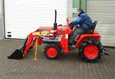 kleintraktor schlepper kubota b1181 18 0ps mit frontlader