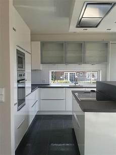 küche dunkler boden grau wei 223 e k 252 che dunkler boden jetzt noch helles holz f 252 r
