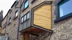 un architecte anglais veut construire des cabanes