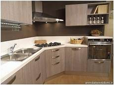 cucine moderne con piano cottura ad angolo cucina ad angolo ikea ikea armadio a muro ispiratore