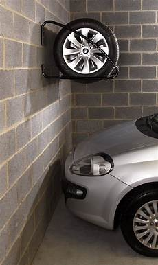 pneu pour voiture mottez support mural pour pneus de voiture collishop