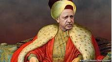 ministro ottomano erdogan fa incazzare le donne turche non esiste