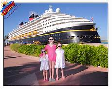 all about the photo packages disney cruise line disney cruise mom blog