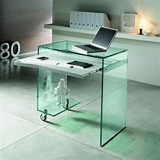 computertisch glas der computertisch aus glas wirkt sehr schick und elegant
