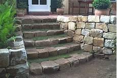 steine für garten gartengestaltung mit steinen terrasse mauer weg