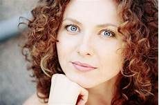 haircuts for naturally curly hair and round face best curly hair styles for round faces