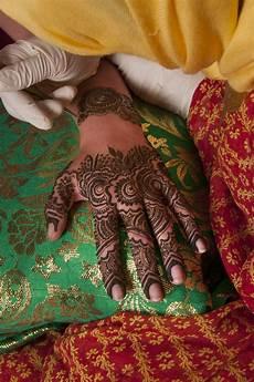 37 Koleksi Kekinian Gambar Henna Pernikahan India
