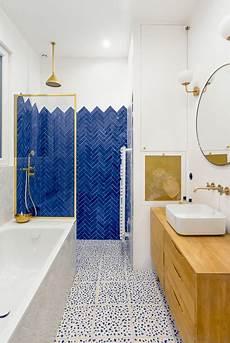 quelle couleur pour agrandir une salle de bains
