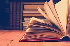 Bücher - 30 b 252 cher die ihr kennen m 252 sst um als belesen zu gelten
